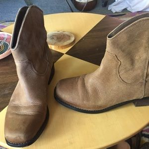 Jessica Simpson Ankle cowboy Boots tan leather 6